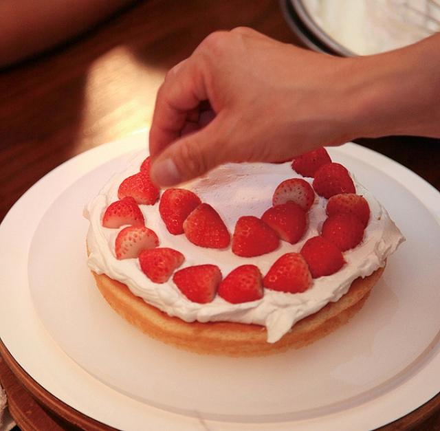 ケーキ工場 バイト