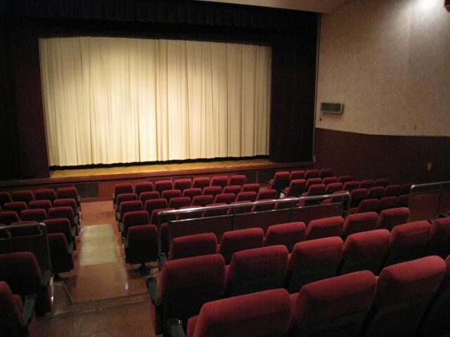 映画館 バイト